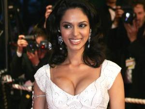 Mallika-Sherawat was the center of attraction at the event