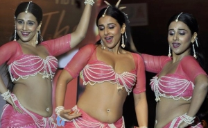 Vidya Balan flaunting her curves (whatever) in Dirty Picture